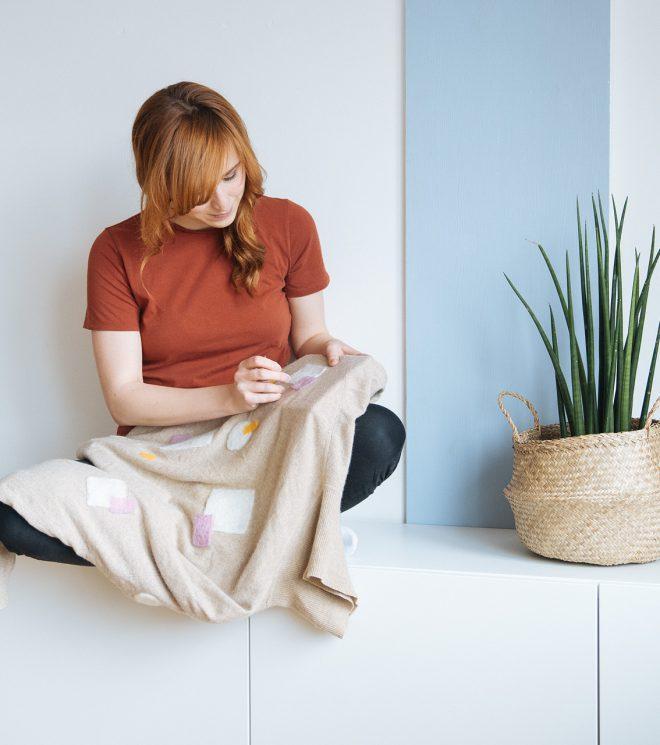 Moin Liz DIY Refashion Upcycling Thrift Flip nähen für Anfänger Löcher reparieren Makeover